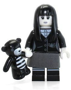 LEGO MINIFIGURES SERIES 12 71007 Piggy Guy Unused Code