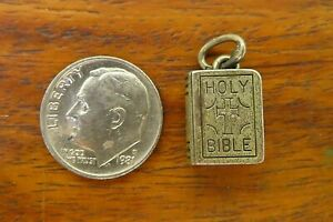 Vintage-silver-BEAUCRAFT-HOLY-BIBLE-BOOK-CROSS-RELIGIOUS-CATHOLIC-charm-BEAU