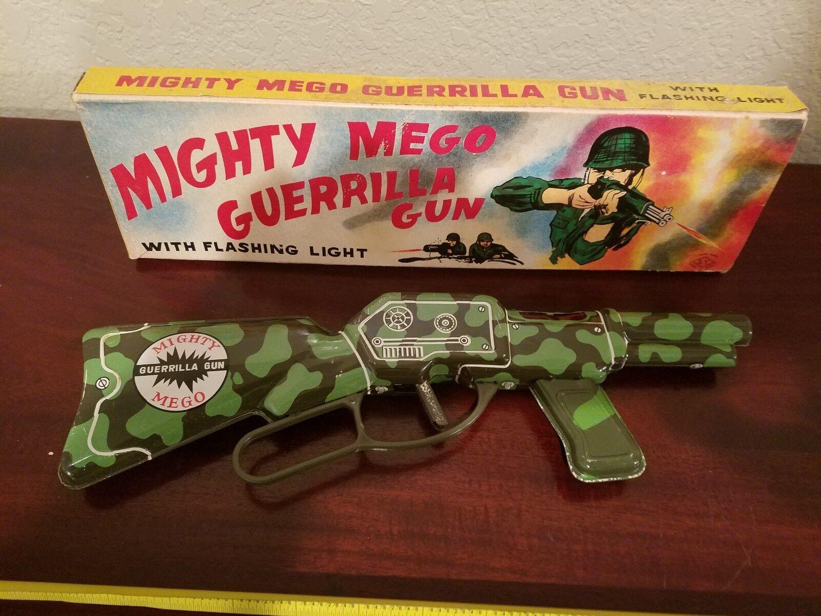 Mighty Mega Pistola De Juguete De Hojalata Hecha En Japón En Caja Original De Juguete De Estaño Lote por S.Y. Viejo