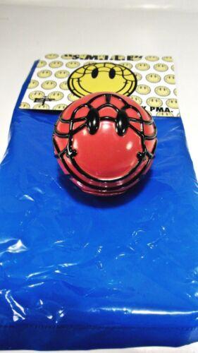 David Flores SMILE Ball S.M.I.L.E SUN  Red sofubi figure smiley face