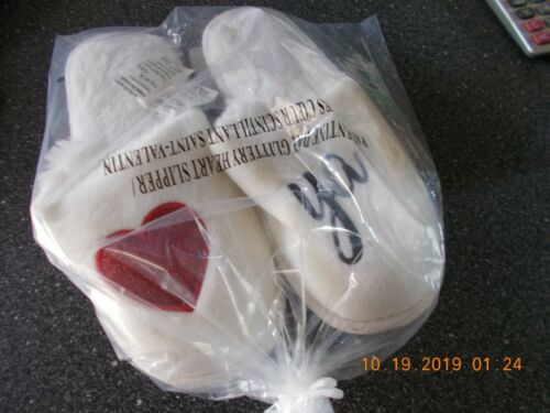 NIB New Women/'s Valentine Day Heart House shoes slippers Size 7 8 M