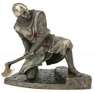 Medieval-Templar-Knight-kneeling-with-Axe-Cold-Cast-Bronze-Statue-7-87-x-6-69-039