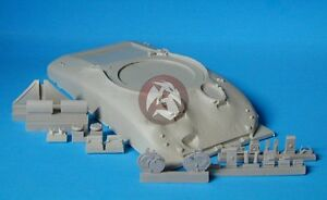 Tank-Workshop-1-35-M4A1-Sherman-Early-Cast-Hull-with-Direct-Vision-Ports-350081