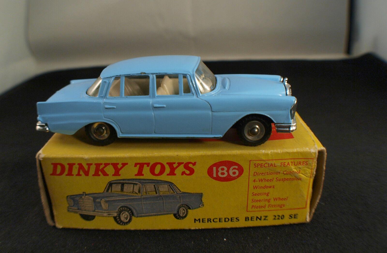 Dinky Toys GB n° 186 Mercedes Benz 220 SE jamais joué en boite color RARE