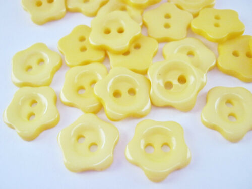 """10 Flower Shaped Sewing Buttons 12mm 1//2/"""" Yellow White Baby Clothing Buttons"""