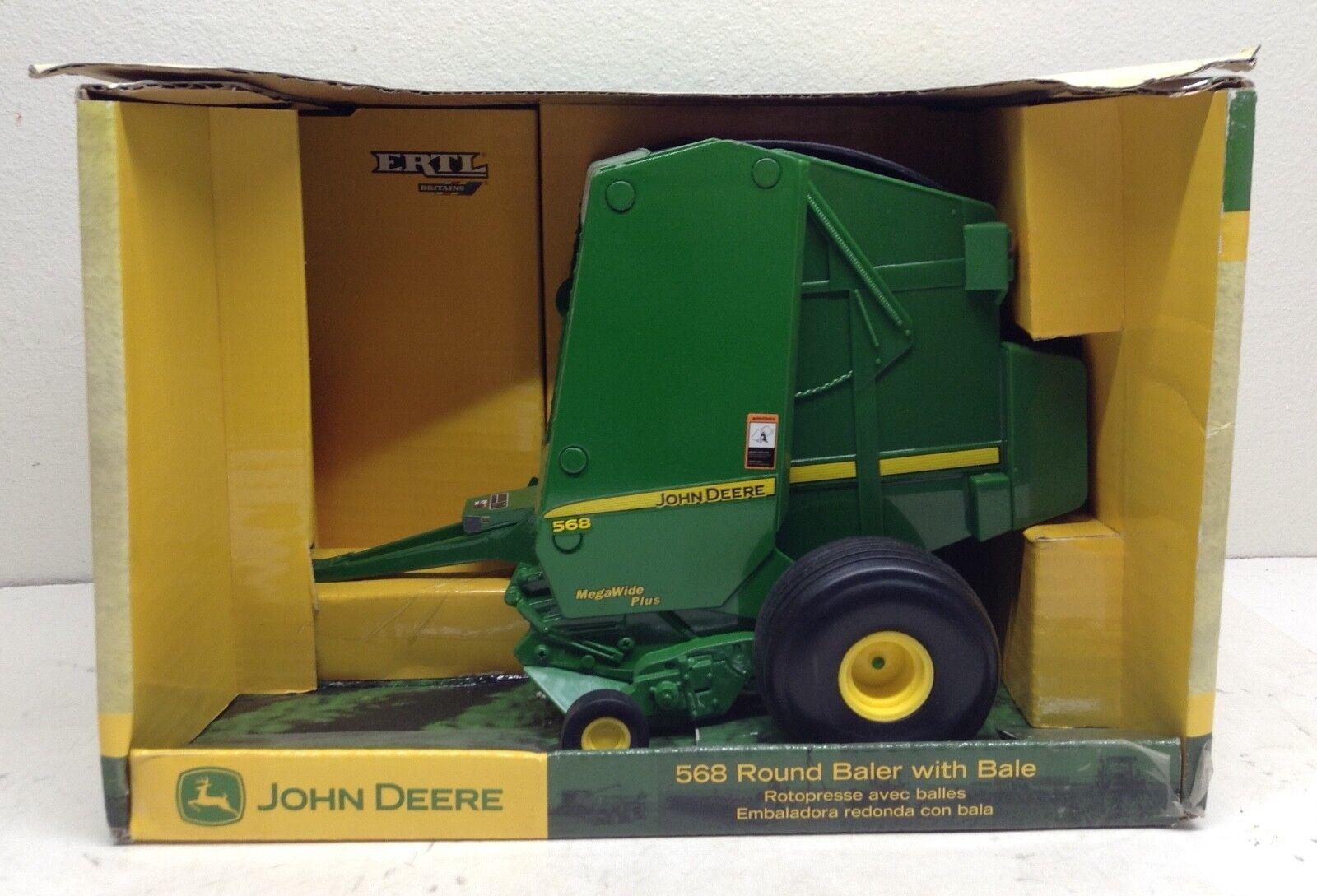 1 16 John Deere 568 Round Baler w  Bale Tractor ImpleSiet New in Box by ERTL