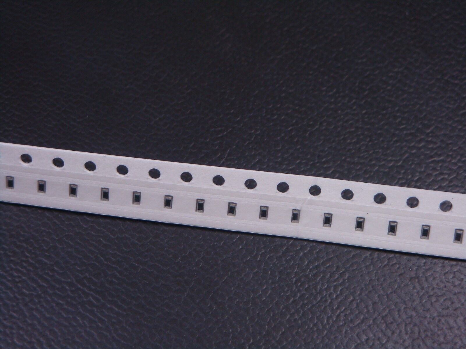 4 pcs 5.9k  ohm 1//4W 1/% Metal Film Resistors.