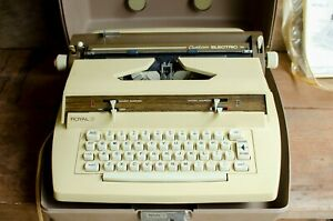 Vintage-Royal-Electric-Typewriter-Custom-Electric