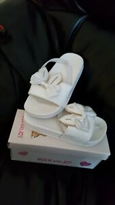 Girl Infant Size 4 Bunny Ear Sliders