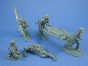WWII-German-Medic-Set-Stretcher-Bearers-Casualties-6-Toy-Soldiers-CTS-FREE-SHIP