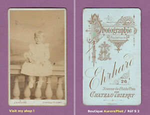 CDV-EHRHARD-a-CHATEAU-THIERRY-FILLETTE-ASSISE-AVEC-SA-POUPEE-TOY-DOLL-S2