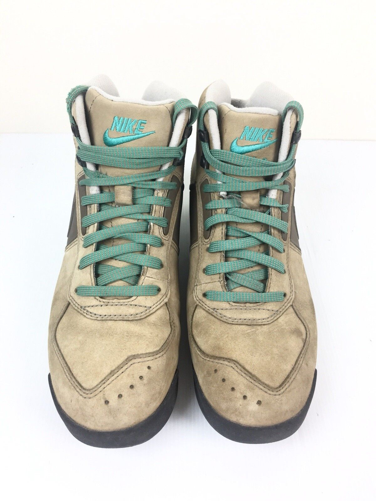 Nike Mens Air Baltgold Hiking shoes Size US 8.5