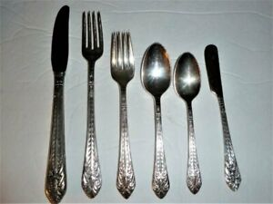 1847 Rogers Marquise 2 Individual Butter Knives 1933 Bright and Shiny