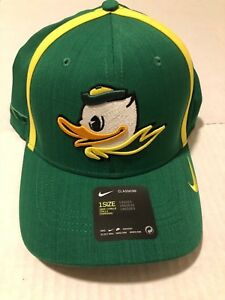 c0dc811e36b Nike Aerobill Oregon Ducks Coach Apple Green Hat Cap Unisex NWT ...