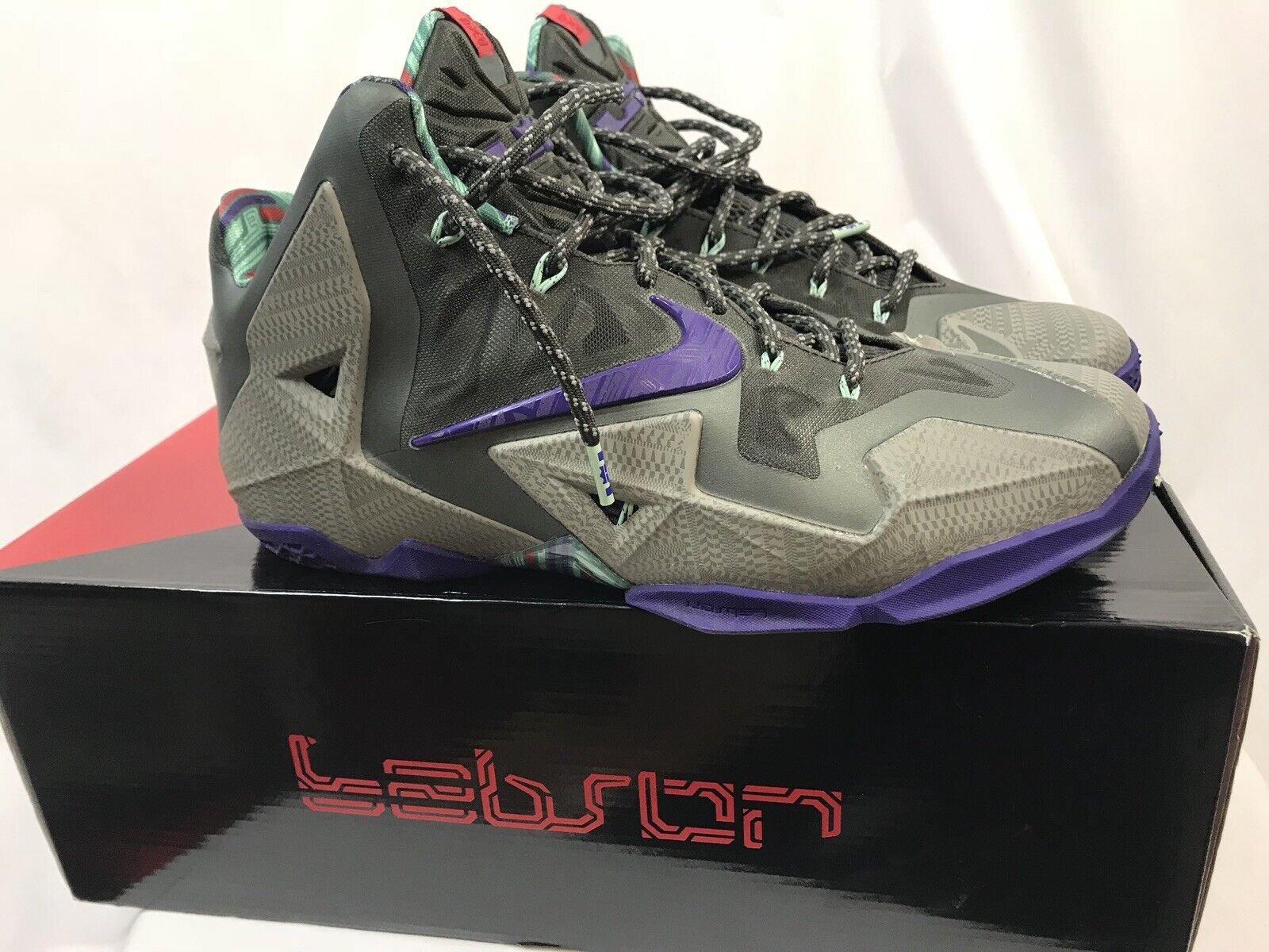 Nike Lebron Xi Scarpe da Basket, Grigio, Viola Elettrico, Uomo Taglia 11