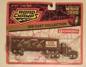 Road-Champs-1994-HO-Scale-Diecast-Plastic-Kenworth-Hershey-039-s-Kisses-Semi-Truck