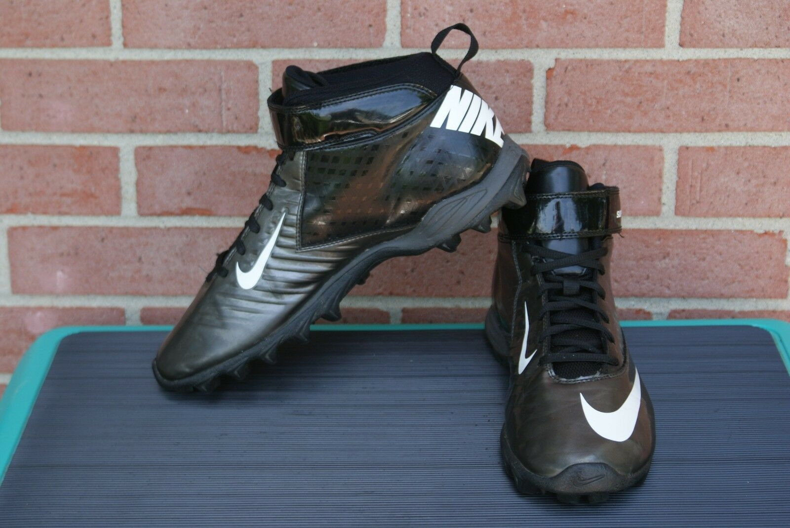 Nike Men's Super Shark Pro Football Cleat Shoes 319168-009 Black/Metallic 10.5
