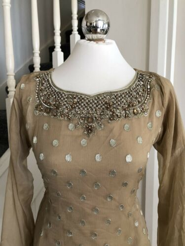 DESIGNER SALWAR KAMEEZ DESIGN INSPIRED BY ZAINAB CHOTANI STITCHED SMALL