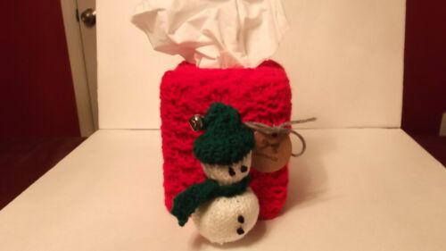 New hand knit square tissue box holder Christmas decorations theme BEAUTIFUL !