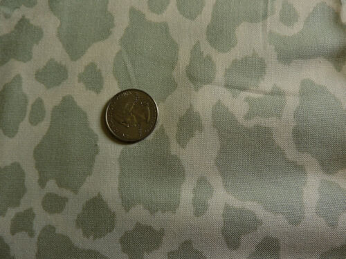 /'Giraffe/' Spots 100/% Cotton Fabric By The Yard Benartex a