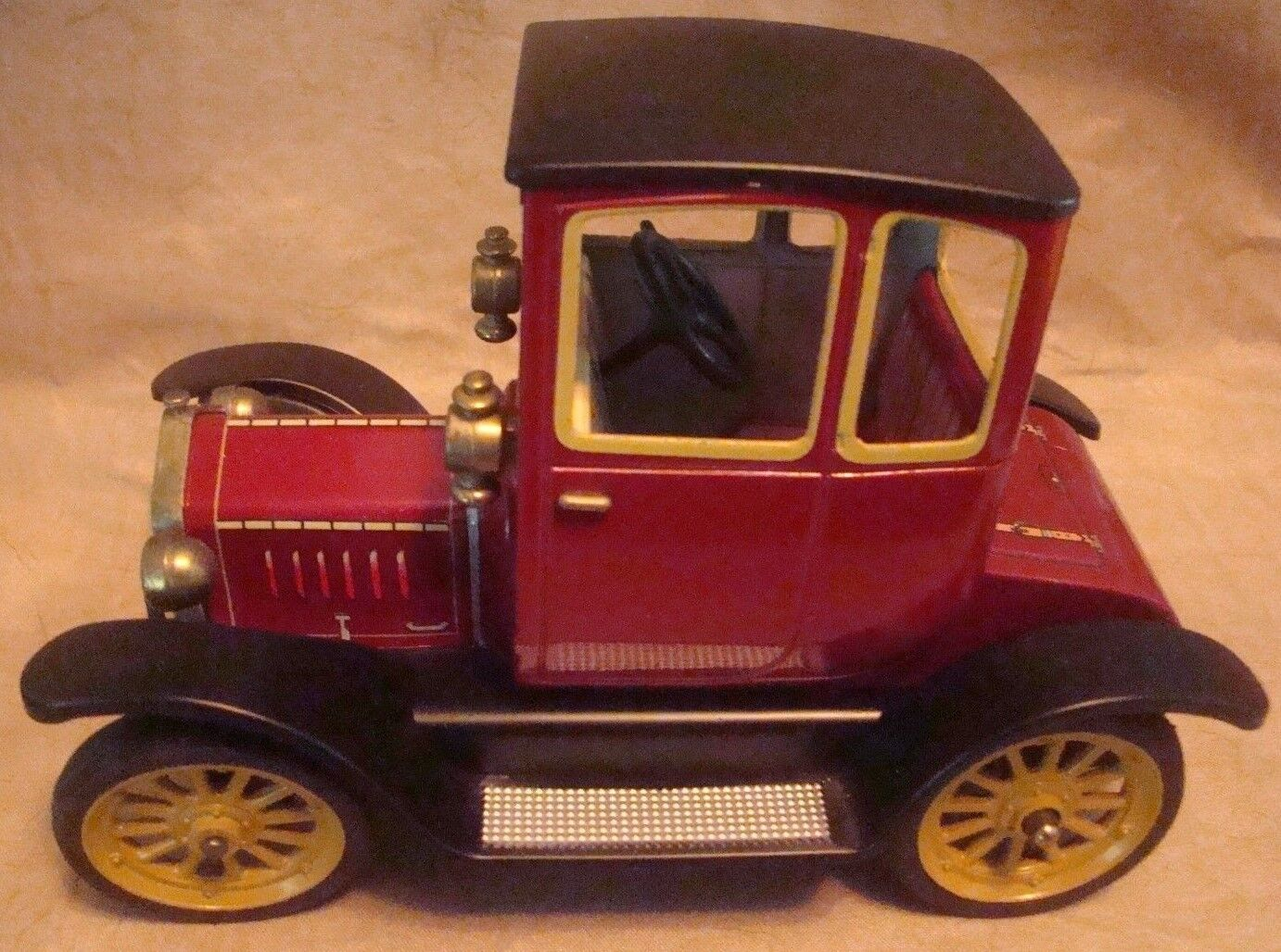 Schuco 1227 Oldtimer Ford Coupe f 1917 Perfecto