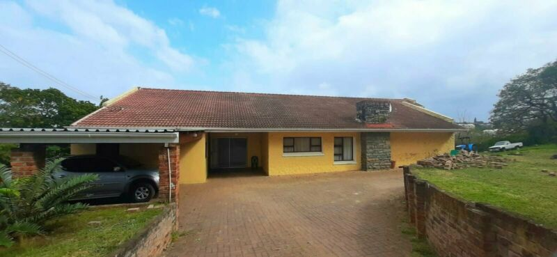 Development land with huge double-story farmhouse available in Amalinda