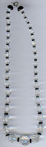 VINTAGE-ART-DECO-FACETED-GRADUATED-CLEAR-CRYSTAL-amp-BLACK-BEAD-NECKLACE