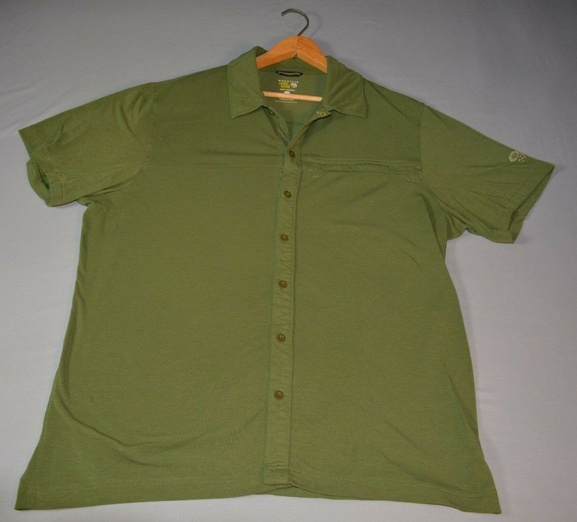 Mountain HardWear Green Short Sleeve Button Front Shirt - Size L