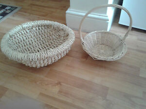 BEAUTIFUL CANE BASKETS SET OF 2,HARDLY USE,GOOD CONDITION,BARG<wbr/>AIN