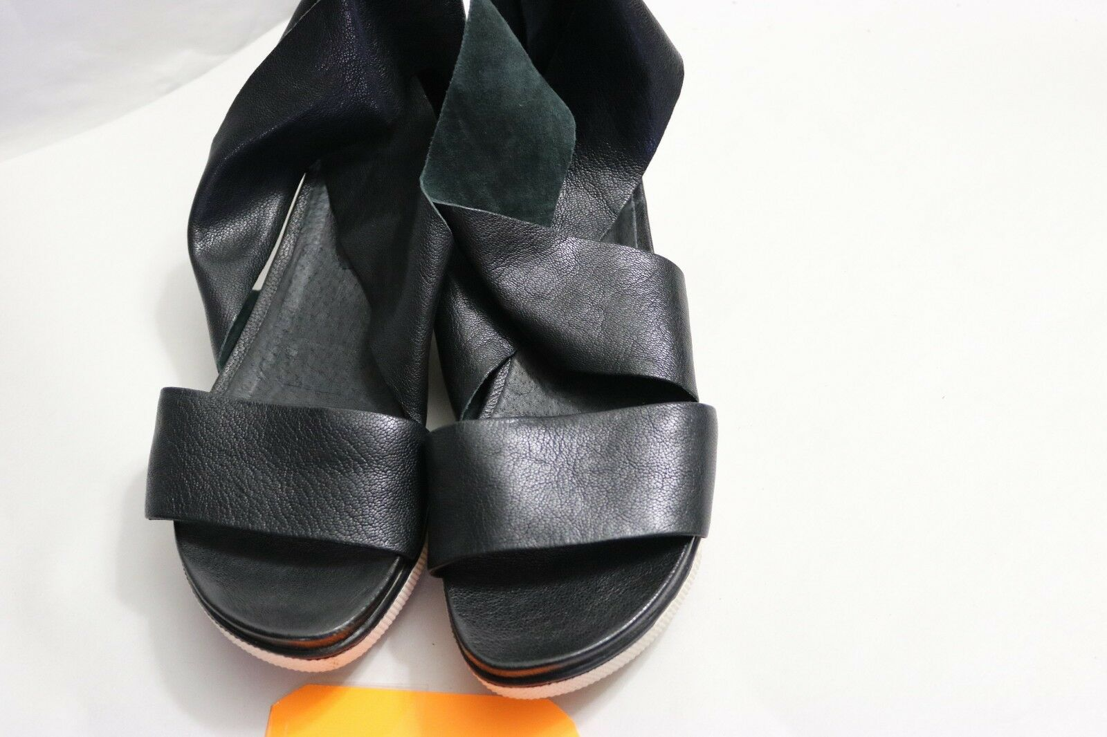 B-444  Women's Eileen Fisher Sport Platform Black Leather Sandal Size 7  1 2 M