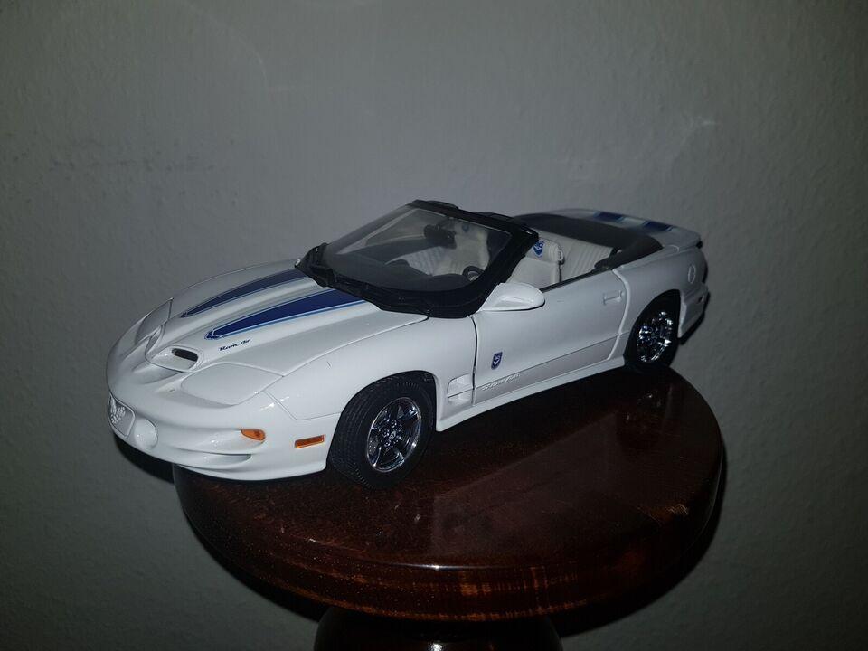 Modelbil, Road Signature 1999 Pontiac Firebird