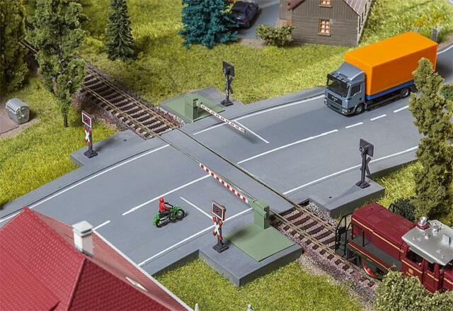 Faller 120244 HO Railway Gate with Drive Share # NEW ORIGINAL PACKAGING #