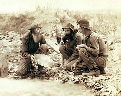 ALASKA KLONDIKE GOLD RUSH PROSPECTORS VINTAGE PHOTO RIVER PANNING 1889  #20566