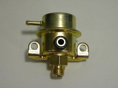 6 C Walker Products 255-1068 Fuel Injection Pressure Regulator BUICK 1995-05