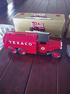 ERTL Texaco 1930 Diamond T Fuel Tanker Die Cast Bank Series #7, Brand New!