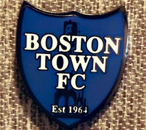 Boston-Town-Football-Club-metal-pin-badge-new-exclusive-non-league-collectors