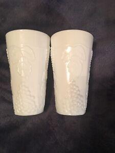 Set-of-2-VIntage-White-Milk-Glass-Grapes-Drinking-Glasses-12-oz-Tumbler-5-7-8