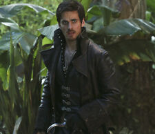 Colin O'Donoghue UNSIGNED photo - G1306 - Once Upon a Time