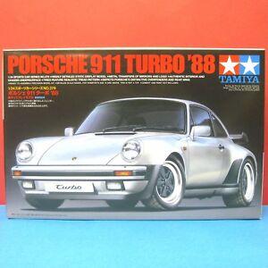 Tamiya-1-24-Porsche-911-Turbo-039-88-Type-930-model-kit-24279