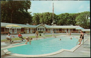 PITTSFIELD-MA-City-Motel-Vintage-Pool-View-Old-Housatonic-Street-Postcard