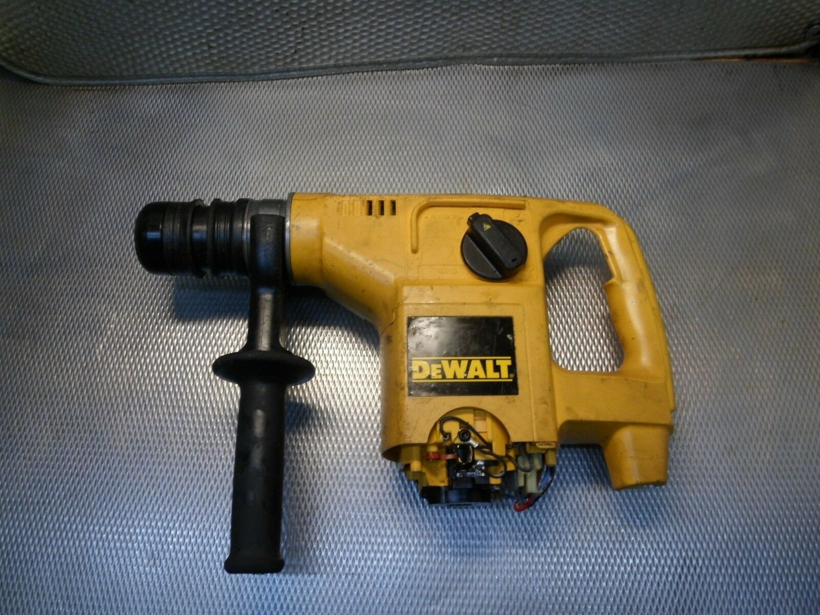 Dewalt Bohrhammer DW570   QS01
