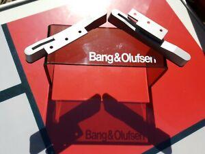 Bang & Olufsen Beovision 8 piedi regolabile in alluminio per alterare angolo di visualizzazione.