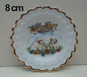 assiette-en-porcelaine-souvenir-d-039-Andorre-livre-avec-support-T2a