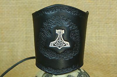Lederarmband Thorhammer geprägt punziert breit Leder schwarz Stulpe Wikinger
