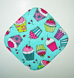 "Handmade 8"" Hot Pot Pad/Pot Holder - CUPCAKES ON GREEN"