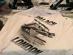 d2843de556de Image is loading PALACE-SKATEBOARDS-FW16-LONDON-WESTWAY-LARGE-WHITE-TRI-