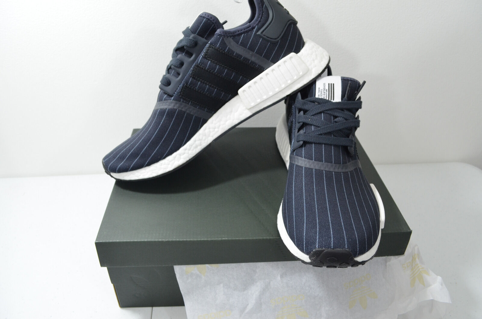 Adidas BB3124 NMD R1 Bedwin Shoes / Night Grey - Core Black -  White / size 10 /