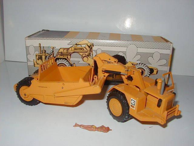 Caterpillar 621 621 621 pelles PacFemme logo #122.1a NZG 1:50 neuf dans sa boîte | La Construction Rationnelle  6a80b3