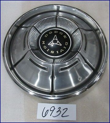 "70 71 DODGE CHARGER DART CHALLENGER 14"" 6 SLOT TYPE HUBCAP USED 2944435 355"
