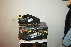 CHAUSSURE-CRAMPON-RUGBY-CELERA-6-GILBERT-T-48-UK-13-SHOES-ZAPATOS-SCARPA-NEUF